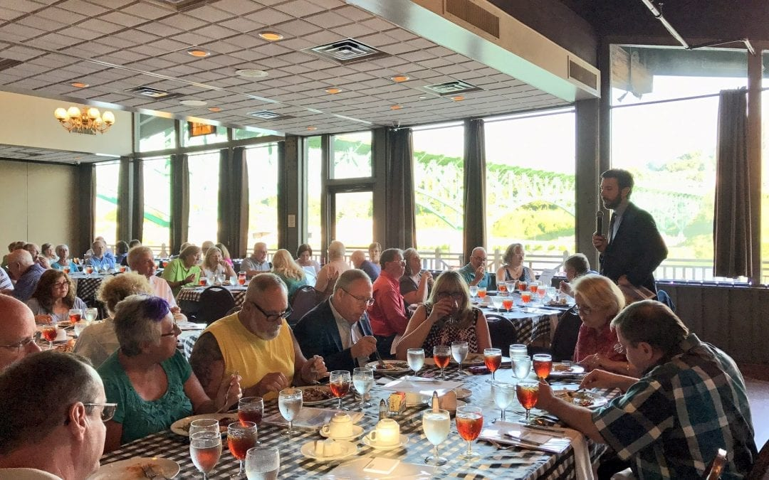 Cullen Roberts speaks at Social Security Dinner