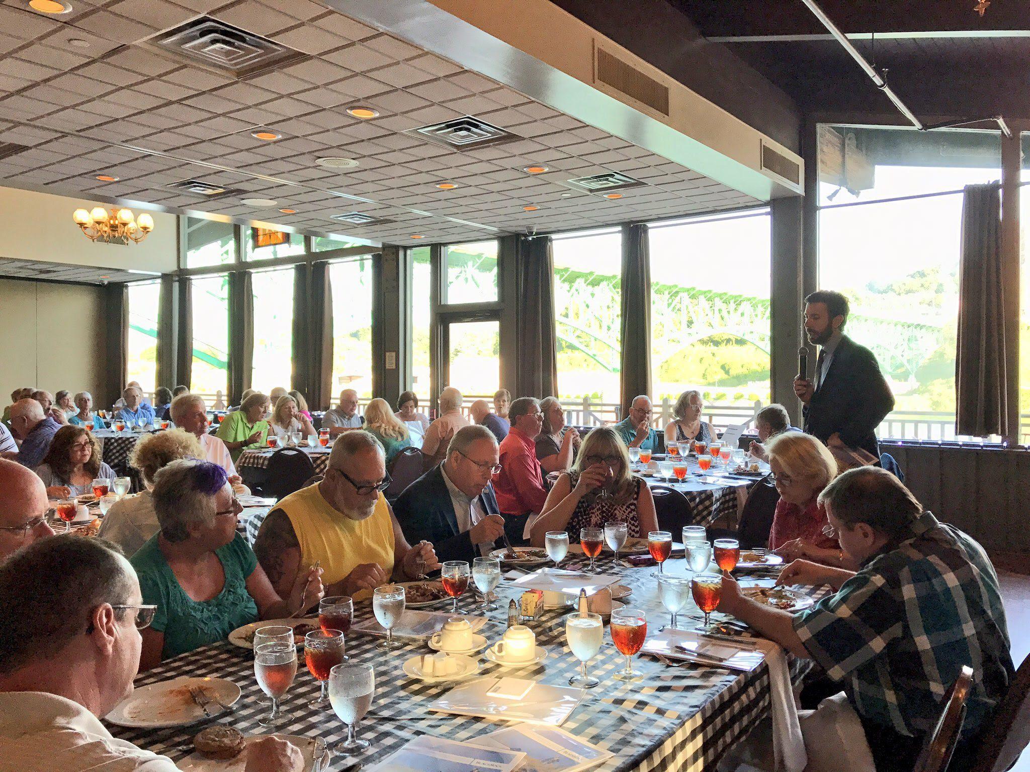 Cullen Roberts speaks at Social Security Dinner