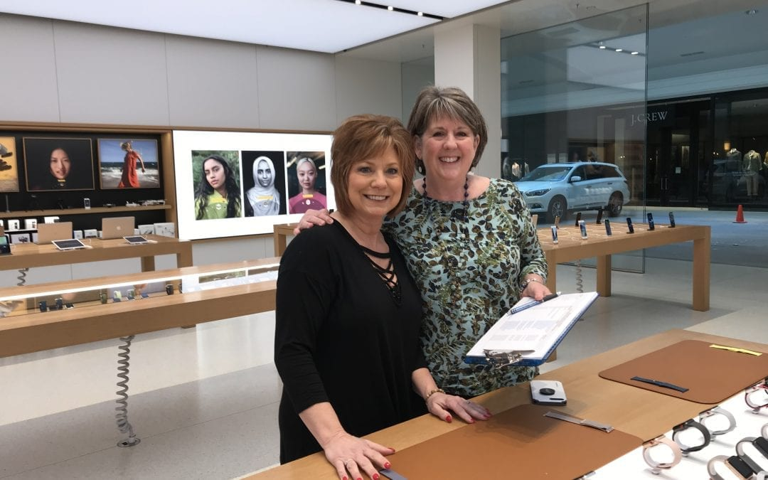 Tuesday at Apple West Town Mall – February Breakfast With Us